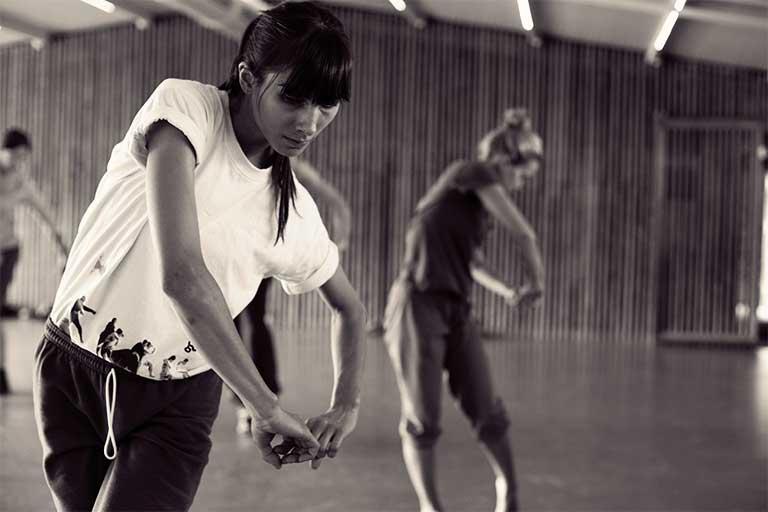 רקדני להקת ורטיגו בסטודיו